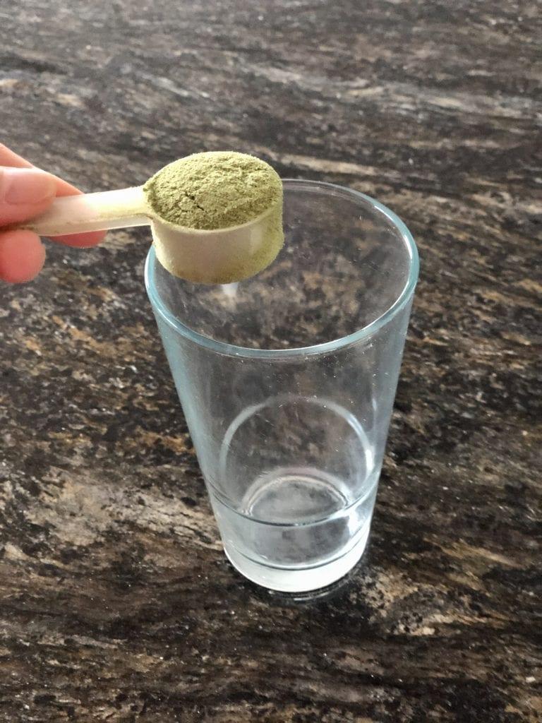 Making an organic chlorella drink